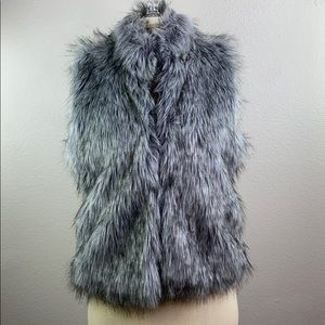 CiSono Gray faux fur vest, size medium